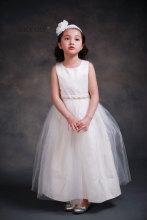 Princess Ball Gown White Lace Flower Girls Dresses For Weddings Cheap 2016 Tulle Bow Knot Custom First Communion Dress Gown