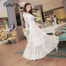 In The Autumn of 2017 New Word High Quality Shoulder Lace Dress Sexy Hollow Sleeve Swing Dress Making Dress for Women