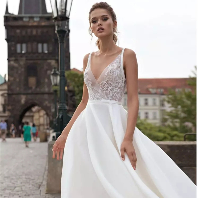LORIE 2019 Beach Wedding Dresses V Neck Lace Applqiues Sweep Train Satin Cheap Boho Bohemian Wedding Dress Backless Plus Size