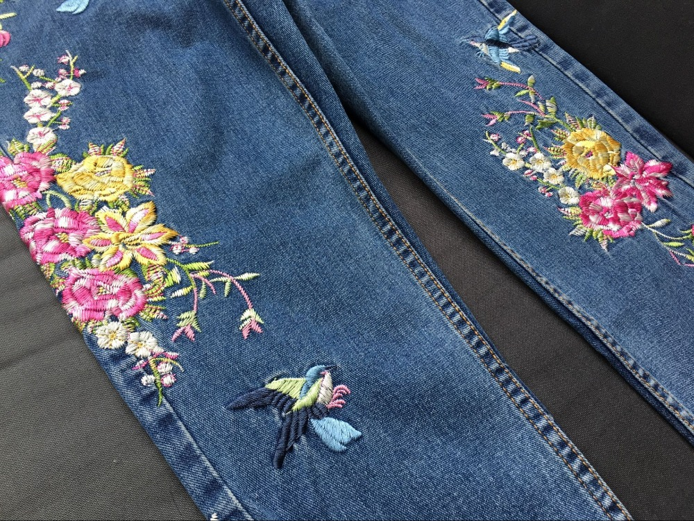 2017 Europe and the United States women's three-dimensional 3D heavy craft bird flowers before and after embroidery high waist Slim straight jeans large code system 46 yards (25)