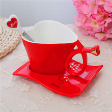 Red Creative heart-shaped cups Ceramic coffee cup milk cup mug With Saucer Spoon Friend Birthday Sweet Gift HG326