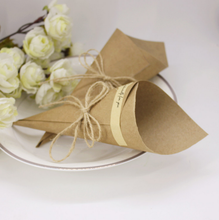 50 x Brown Wedding Favors Flower Cones Holder Ice Cream Style DIY Kraft Paper Candy Boxes Wedding Table Decor Party (No Flowers)