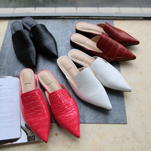 2017 women brand flat shoes Pointed Toe casual slippers vintage leather shoes women Lazy Muller shoes slip-on Ladies loafers