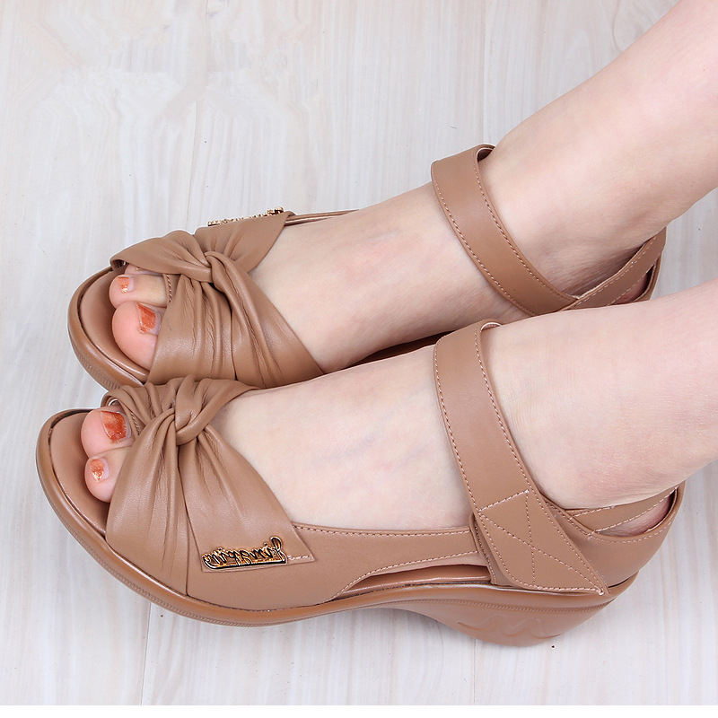 woman sandals 2017 Summer genuine leather mom casual cowhide slope sandals waterproof platform open toe large female sandals<br><br>Aliexpress
