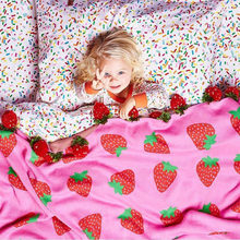 2017 New Arrivals Strawberry/Cherry Children's/Kids/Adults Cotton Thread Knitted Blanket Throw Bedding Sofa/Air Mantas 100*150cm(China)