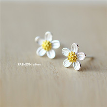 Real 925 Sterling Silver Jewelry For Women 3D Cute Daisy Flower Earring Stud Small Stud Earring For Girls Wholesale