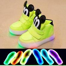 New 2018 European warm keep children boots LED lighted cartoon cute girls  boys shoes Lovely glitter baby kids glowng sneakers 8e09ef923187