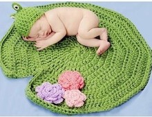 2pcs Hat+Blanket Frog Pro Photography Summer Style Handmade Knitted Newborn Infant Wamer Clothing Clothes Baby Set