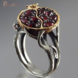 Женское винтажное золотистое кольцо в виде граната