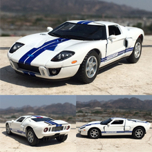New KiNSMART 1/36 Scale USA 2006 Ford GT Diecast Metal Pull Back Car Model Toy For Gift Collection Kids