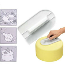 Drop shipping Kitchen Accessories Cake Smoothing Screeding Device Tools 1pc Cooking Cupcake Pastry Fondant Decorating dog sets
