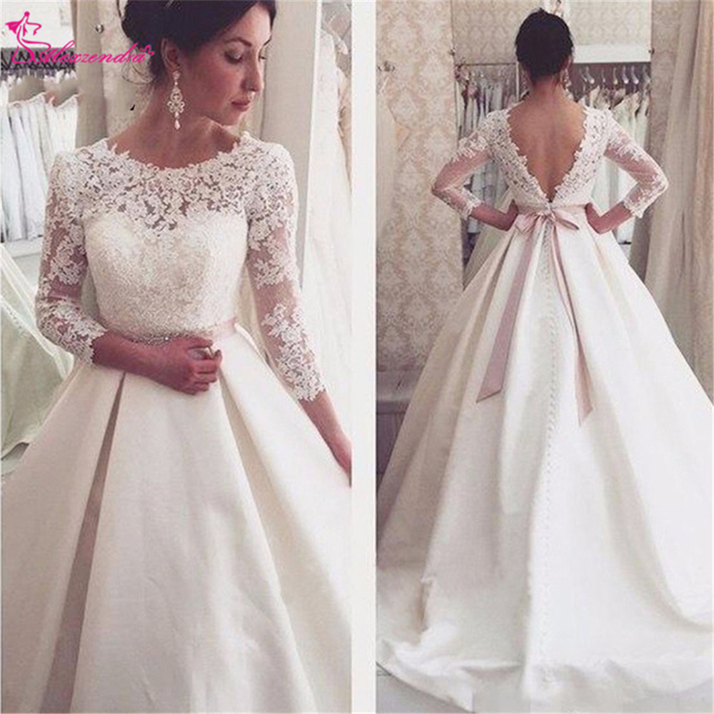 Alexzendra Vintage Ball Gown Wedding Dress with Sleeves 2019 V Back Lace Bride Gown Plus Size Customize