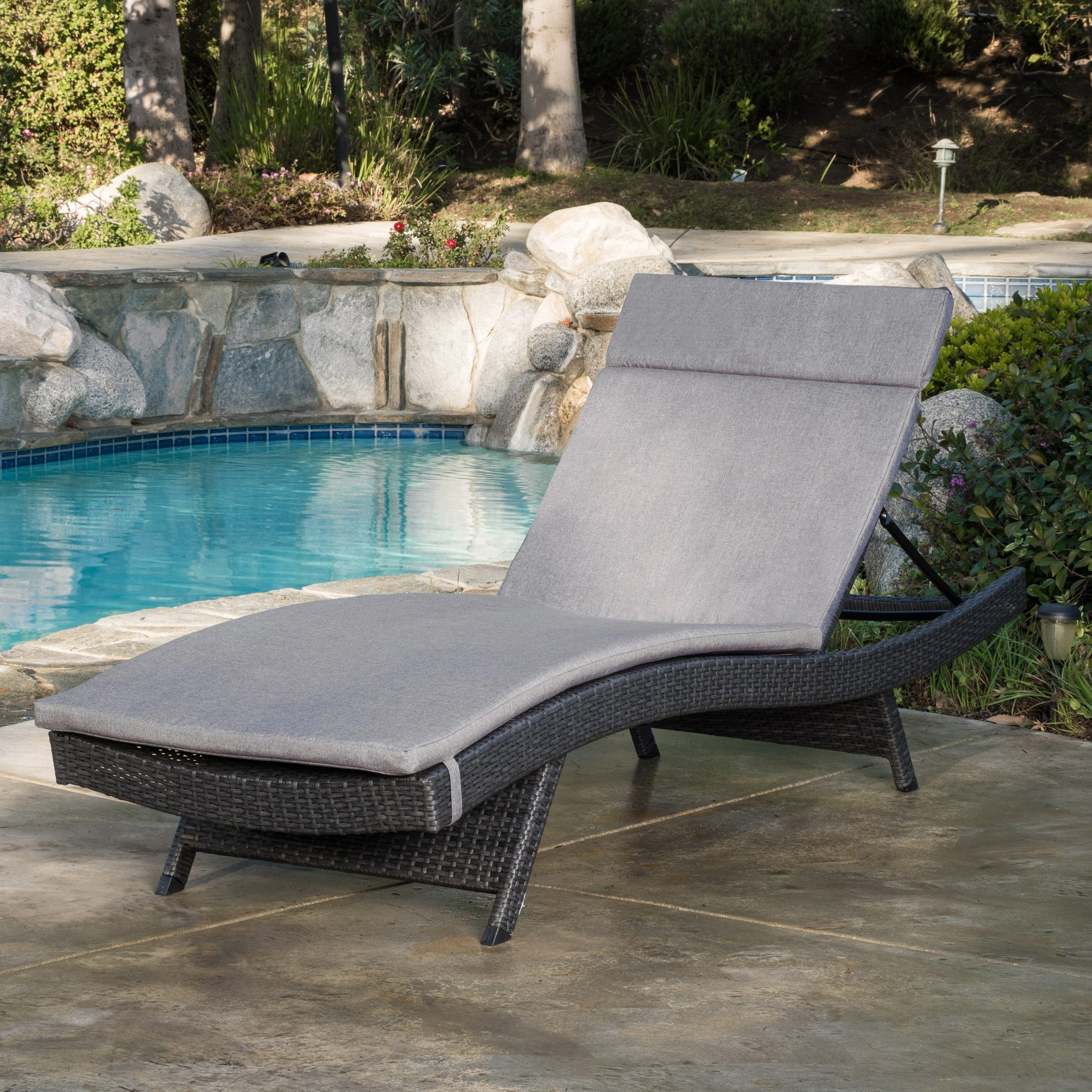 Nassau Outdoor Grey Wicker Adjustable Chaise Lounge with Charcoal Cushion