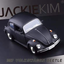 Free Shipping 1:32 1967 old Volkswagen beetle Double open the door back in alloy models children's toy car Gifts