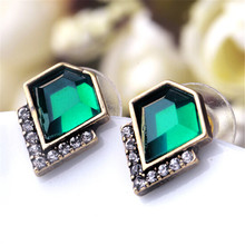 New Design Retro Exquisite Women Acrylic Geometric Green Gem Stud Earrings For Women Dress Accessories