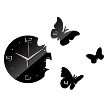 Free Shipping New Flying Butterflies Wall Clock Creative Design Home Decor Big Mirror 3D DIY Large Decorative Wall Clocks Watch