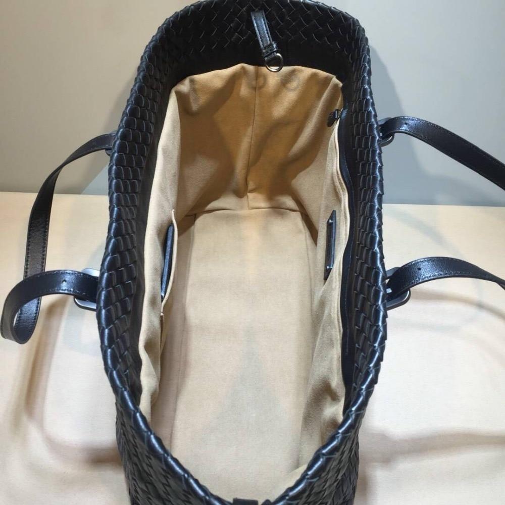 Woman Woven bag  Sheepskin High-quality Internal and external dermis Adjustable shoulder straps High-capacity  2018 L Eteranl