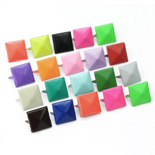 100pcs DIY Colorful Punk Pyramid Studs Nailheads Rivets Spikes For Clothes Shoes Bags Decoration Hot
