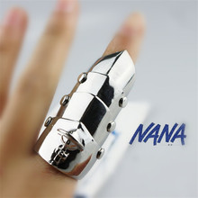 Anime Nana Knuckle Ring Cosplay metal Sliver/Gold Gothic Punk Hinged Finger Armour Armor Orbit Finger Ring Figure Accessories