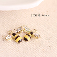SEA MEW 14*18mm Creative Handwork Alloy DIY Crystal Wing Bee Pendant Ornaments dz32(China)