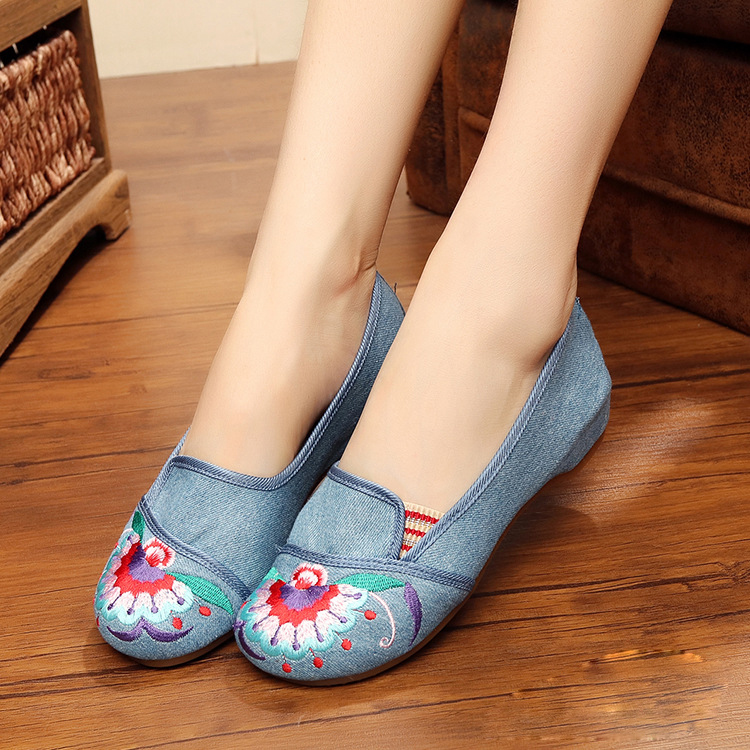 New fashion peacock embroidered Vintage exquisite Casual Simple women canvas shoes Comfort walking flats shoes for ladies<br><br>Aliexpress