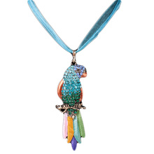 Woman Long Sweater Necklace New Bird Pendant Exquisite Colourful Parrot Pendants Necklaces Fashion Jewelry