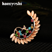 High Quality Crystal Opal peacock Brooches for Women Girl pink Jewelry Scarf Lapel Pins Brooch Antique gold Color Accessories