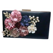 New The Chain Women Handbags Appliques Pattern Flowers Wedding Dinner Bag Evening Bags Hot sellingPurses Clutch Box Package 110(China)