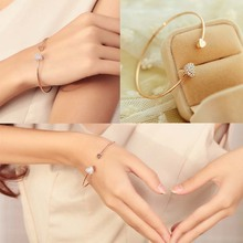 Trendy Simple  Wire Bangle With Double Crystal Decorated Peach Hearts Love Bracelets Women Jewelry pulseras mujer