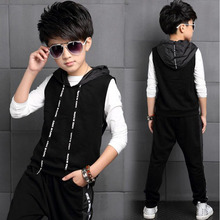 Spring 2017 new boy suit for children T-shirt + vest + pants 3 piece suit teenage clothing boys autumn hooded leisure sets(China)
