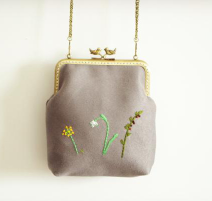 Handmade Vintage Nubuck Leather Bag Chain Shoulder Handbag Tote Embroidery Flower Bag Floral Bird Kiss lock Clasp Messenger Bags<br><br>Aliexpress