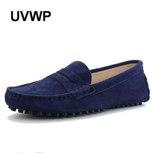 New Genuine Leather men flat shoes Fashion Soft Moccasins men loafers Flats driving Peas Shoes Fashion Casual shoes Hot Sale