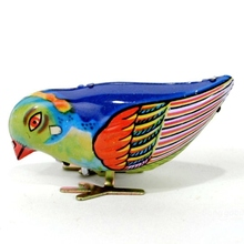 High Quality New Arrival Vintage Children Wind-Up Bird Pecking Tin Mechanical Toy Gift For Kids Favor(China)