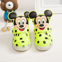 Hot SALE Children Shoes With Light Popular in Europe Boys Shoes Autumn Winter Girls Cartoon Sneakers Kids Led Sport Shoes(China)