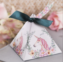 30 Pcs Unicorn Triangular Pyramid Wedding Favors Candy Boxes Bomboniera Party Gift Box Chocolate Box With Ribbons & Tags