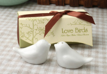 Newest wedding favors 120sets=240pcs love bird salt pepper shaker Wedding gift Ceramic gift(China)