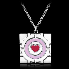 Free Shipping Mucho Portal Collar Pink Heart Chain Pendant Necklace Companion Cube Necklace Women