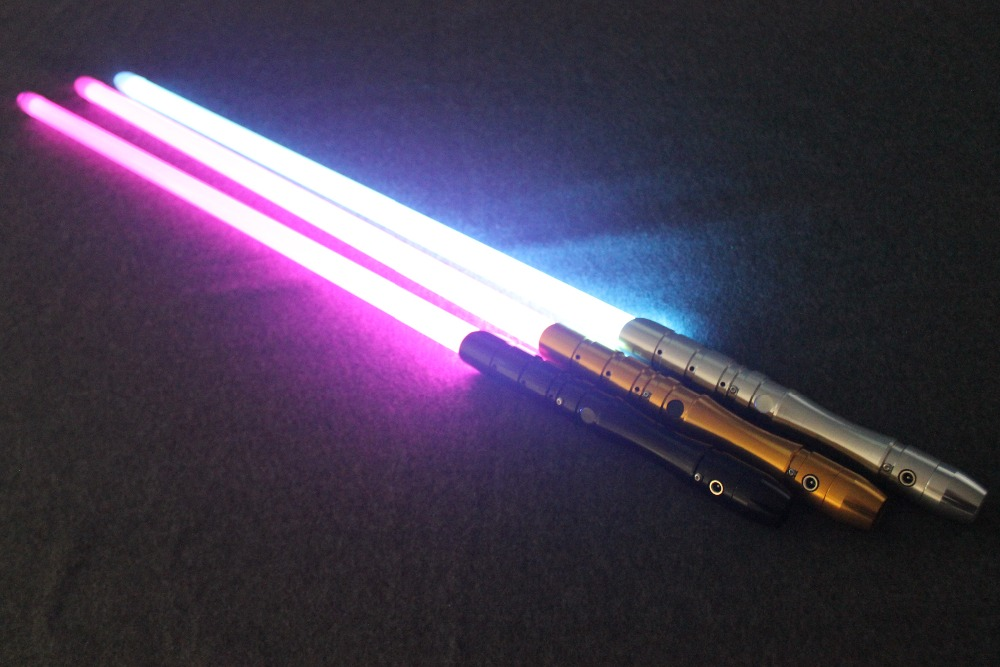 2018 New 1 Pcs Cosplay Lightsaber With Light Sound Led Red Green Blue Saber Laser Metal Sword Toys Birthday Star Kids Gifts Game (8)
