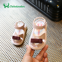 Claladoudou 11.5-13.5CM Infant PU Leather Sandals Make Noise Toddler Closed Toe Bowtie Soft Sandals Kids Girls White Dress Shoes