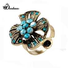 Duohan Designer Collection Newest Vintage Women Jewelry Finger Ring Fetured Antique Gold Floral Petal Pave Rhinestone Stamens