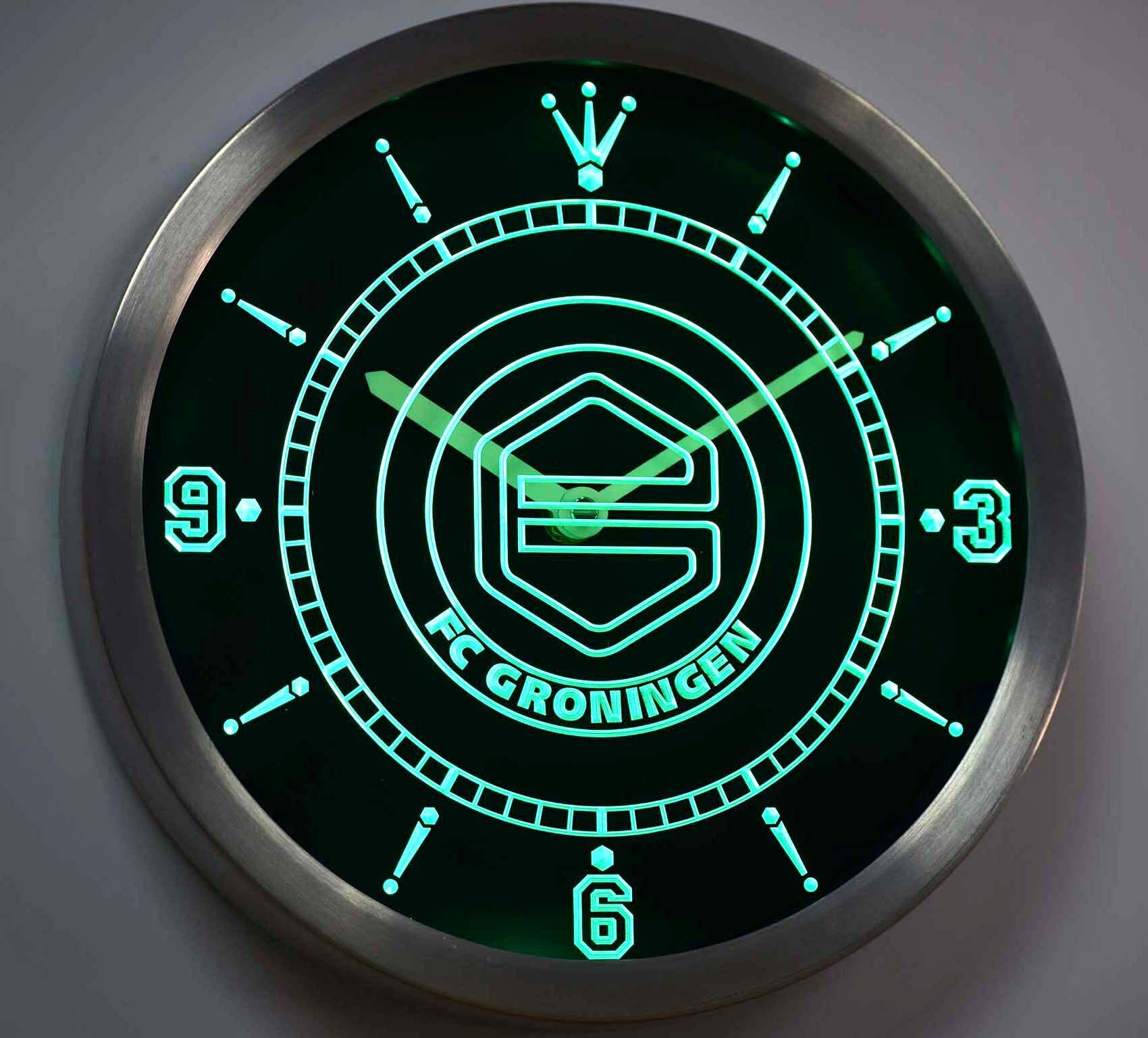 Por Unique Bathroom Clocks