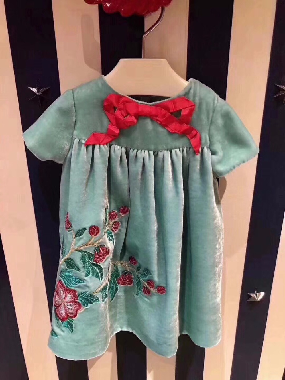 Girls Dress Fashion Blue Embroidered Dress High Quality Silk Velvet Bow Lovely Short Sleeve Dresses For Girl Kids Summer Clothes<br>
