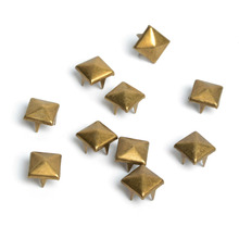 100pcs 8mm Brass Pyramid Studs Nailheads Rivet Spike Punk Bag Leather Craft Bracelets Clothes Garment Rivet Apparel Sewing