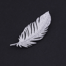 Wholesale Jewelry Supplier Fashion Luxury Wedding Bridal Rhodium Color Cubic Zirconia Feather Design Brooches