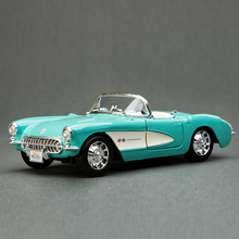 YJ 1/24 Scale Vintage Car Model Toys 1957 Chevrolet Corvette Convertible Diecast Metal Car Model Toy New In Box For Gift