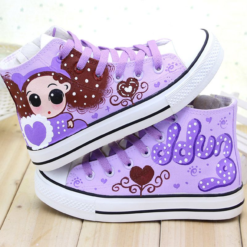 Cute Girl with Red Heart Painting Designs Hand-Painted Canvas Shoes Personalized Adult Casual Shoes Cute Platform Shoes<br>