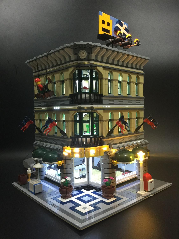 2232pcs 15005 City Creator Grand Emporium department store Model Building Minifigures Blocks Brick Toy Compatible legoed 10211<br><br>Aliexpress