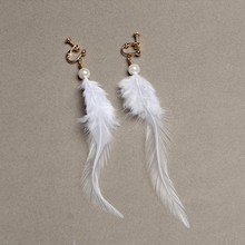 2016 New Fashion Novalty Elegant Blue White Orange Feather Faux Pearl Statement Long Clip Earrings for Women Brincos Grandes