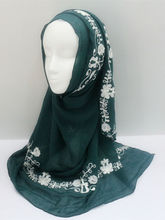 In 2016 new ,top seller the embroider flower Comfortable and fashionable hijabs scarf Ms Muslim headscarves Independent packing