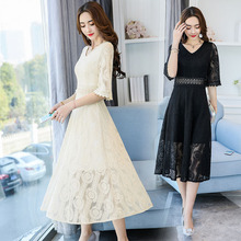 2017 spring and summer tide version of sexy goddess fan V collar sleeve / five sleeve lace slim dress